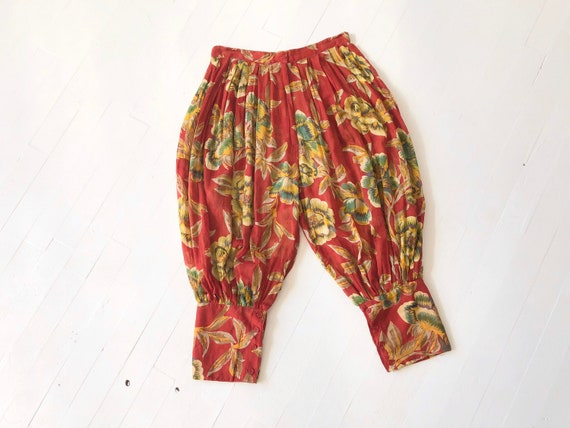 1990s Red Floral Indian Cotton Gauze Cropped Harem