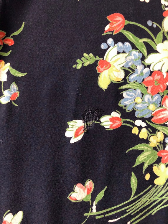 1940s Floral Rayon Dress - image 9