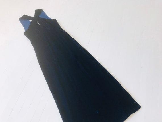 1970s Midnight Blue Velvet Keyhole Dress