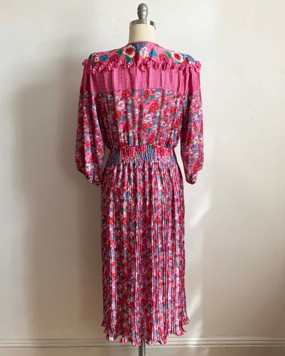 1980s Diane Freis Pink Pleated Dress - image 4