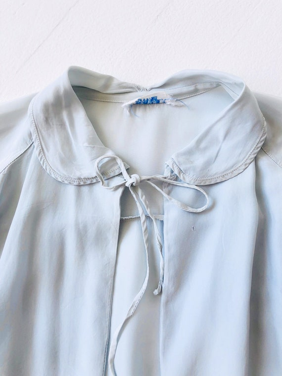 1940s Icy Blue Embroidered Bed Jacket - image 4