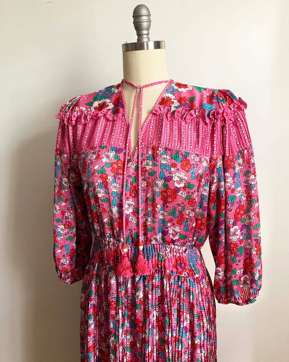 1980s Diane Freis Pink Pleated Dress - image 1