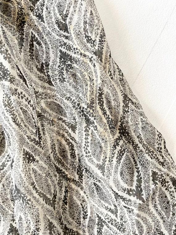 1950s Printed Sheer Chiffon Dress - image 7