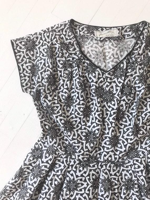1950s Cut-Out Geometric Print Dress