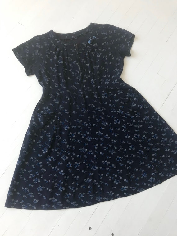 1940s Navy Floral Dress - image 3