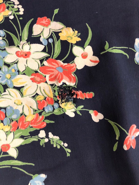 1940s Floral Rayon Dress - image 8