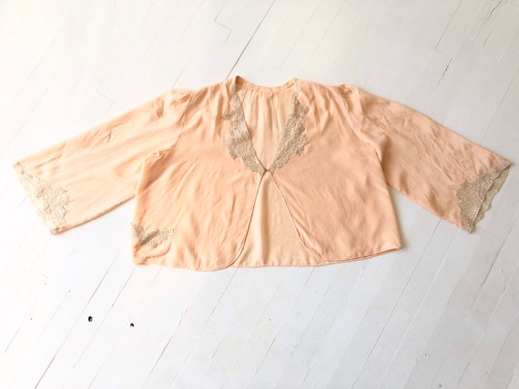 1940s Peach Lace Bed Jacket