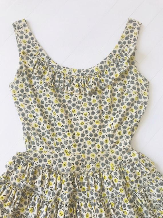 1950s Ruffled Rose Print Rhinestone Dress - image 2