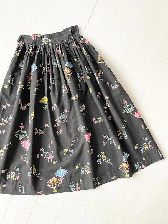 1950s Black Novelty Print Skirt - image 4