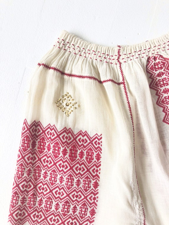1940s Romanian Embroidered Blouse - image 4