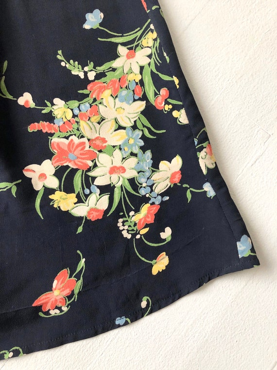 1940s Floral Rayon Dress - image 4