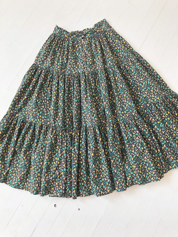 1970s Tiered Novelty Print Skirt - image 5