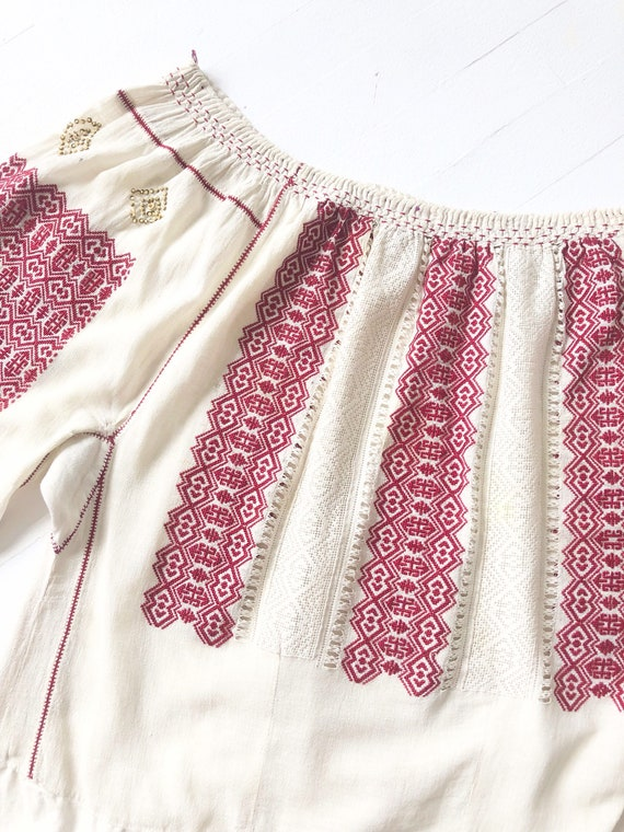 1940s Romanian Embroidered Blouse - image 2