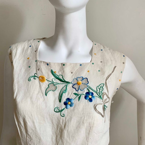 1950s Linen Exquisite Embroidery Set