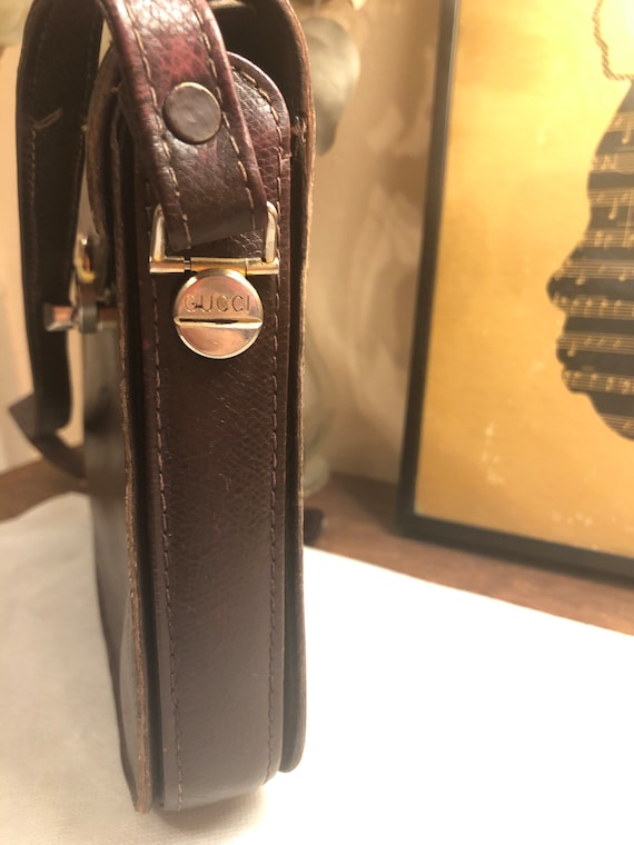 Vintage 1970s Gucci Brown Leather Shoulder Bag - image 8