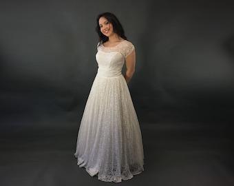 b88c0ade90d3 50s Wedding Dress, White Lace Floor Length Full Skirt Bridal Gown, Vintage  Tulle Taffeta Wedding Gown, S Taffeta ridal