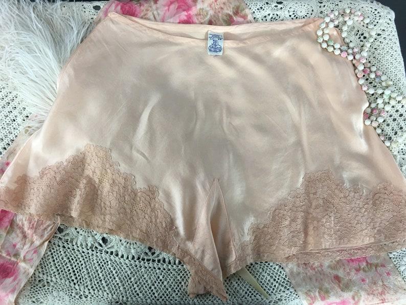 Lace and Silk Lingerie by Trillium Size M Vintage Pure Silk Panties 1920/'s 30/'s Peach Tap Pants