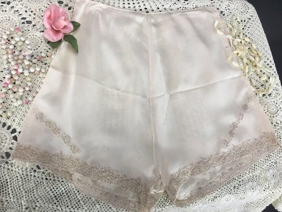 1930s Tap Pants, Vintage Ivory Lace Panties, Lace