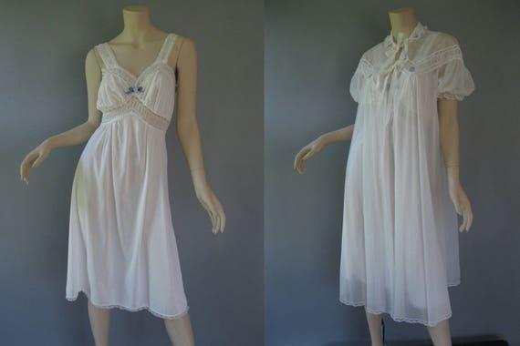 1950s Peignoir Set Vintage Bridal Set White Nylon Robe and  fe69da4e0