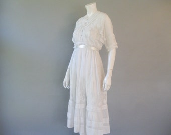 Antique Edwardian Dress ,White Cotton Tea Dress, Embroidered Lace White Dress, Vintage 1910 Dress, Size XS, Wedding Dress