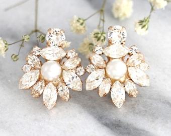 Bridal Pearl Earrings, Bridal earrings, Bridal Cluster earrings, Bridal Pearl Crystal Earrings, White Crystal Vintage Earrings, Gift for her