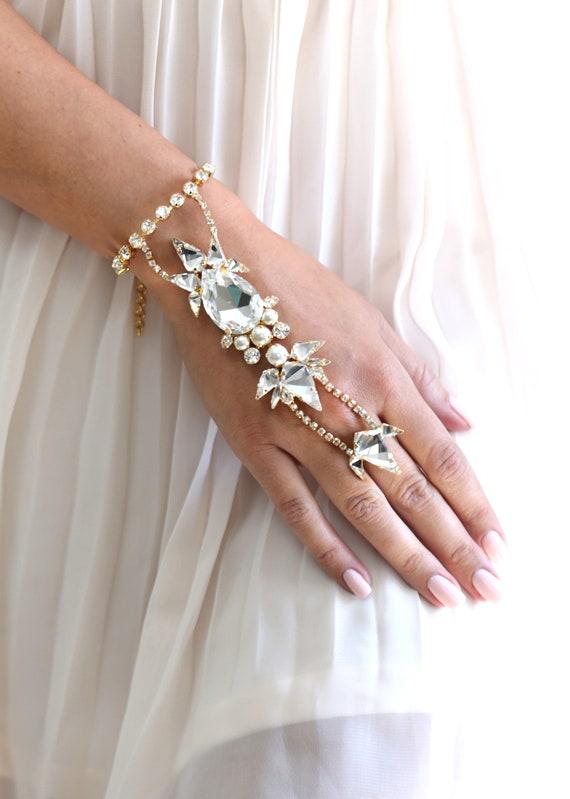 Hand Bracelet, Hand Jewelry, Bridal Hand Jewelry, Crystal Swarovski Ring Bracelet, Statement Crystal Bracelet, Hand Chain Slave Bracelet