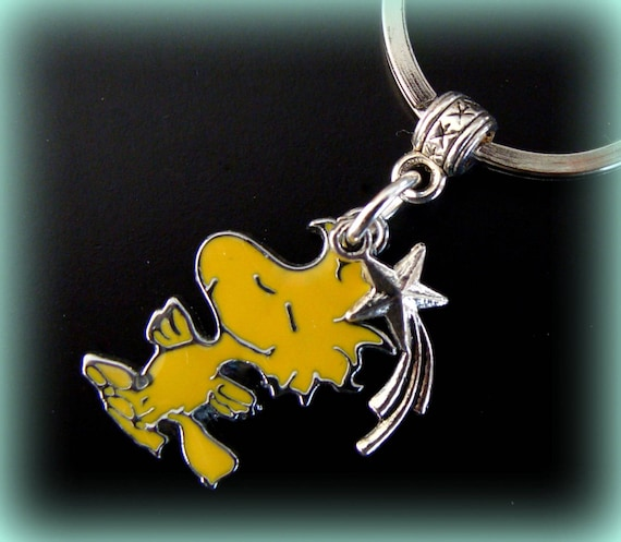 woodstock der vogel erdnuss keychain schmuck snoopy hund etsy. Black Bedroom Furniture Sets. Home Design Ideas