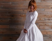 Modest wedding dress with long sleeve - White linen simple bridal gown with pockets and 2 variations: with or without open back.