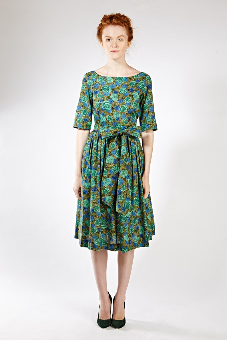 ef7e5017cf5b1 Robe femme robe 1950 ' s robe fleurie robe imprimée   Etsy