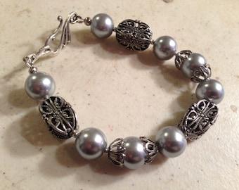 Pearl Bracelet - Silver Jewelry - Gray Jewellery - Fashion - Art Deco - Beaded