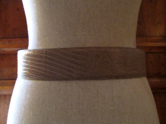 DONNA KARAN Italian Lizard Embossed Leather Belt,… - image 6