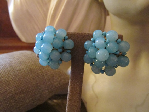 VOGUE Blue Glass Bead Earrings, Cluster Blue Bead