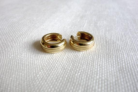 14K Chunky Huggie Hoop Earrings - vintage gold est