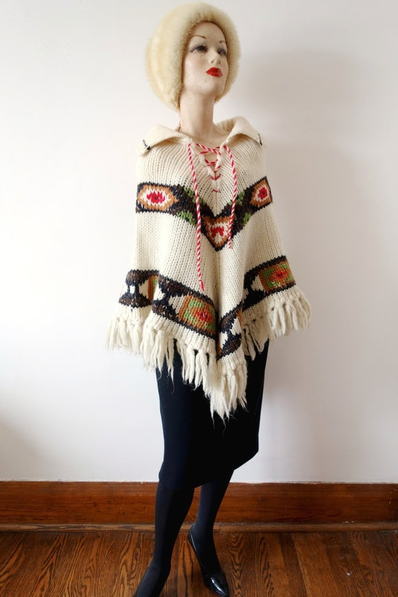 1970s Ethnic Knit Wool Poncho