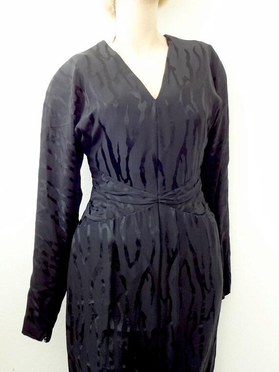 1980s Pauline Trigere Cocktail Dress / black silk… - image 3