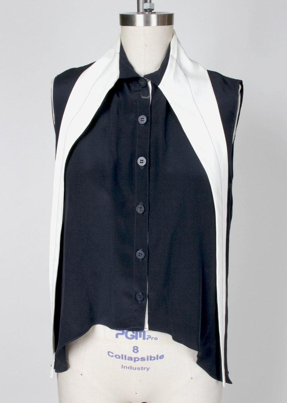 Long Collar Sleeveless Blouse Sample