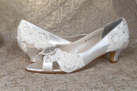 Woman S Low Heel Wedding Shoes 1 75 Woman S Vintage Wedding Lace Peep Toe Heels Women S Bridal Shoes Wedding Shoes Bridesmaid