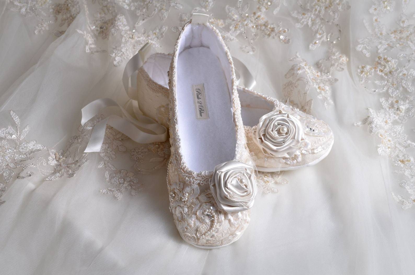 lace ballet wedding shoes, handmade wedding flats, wedding bridal ballet shoes,wedding slippers,shoes crystals and pearls, weddi
