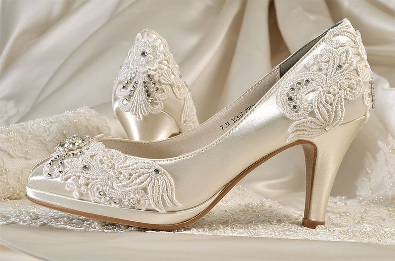 3dd41babd88f8 Womens Wedding Shoes-Free Custom ColorsVintage Lace Bridal