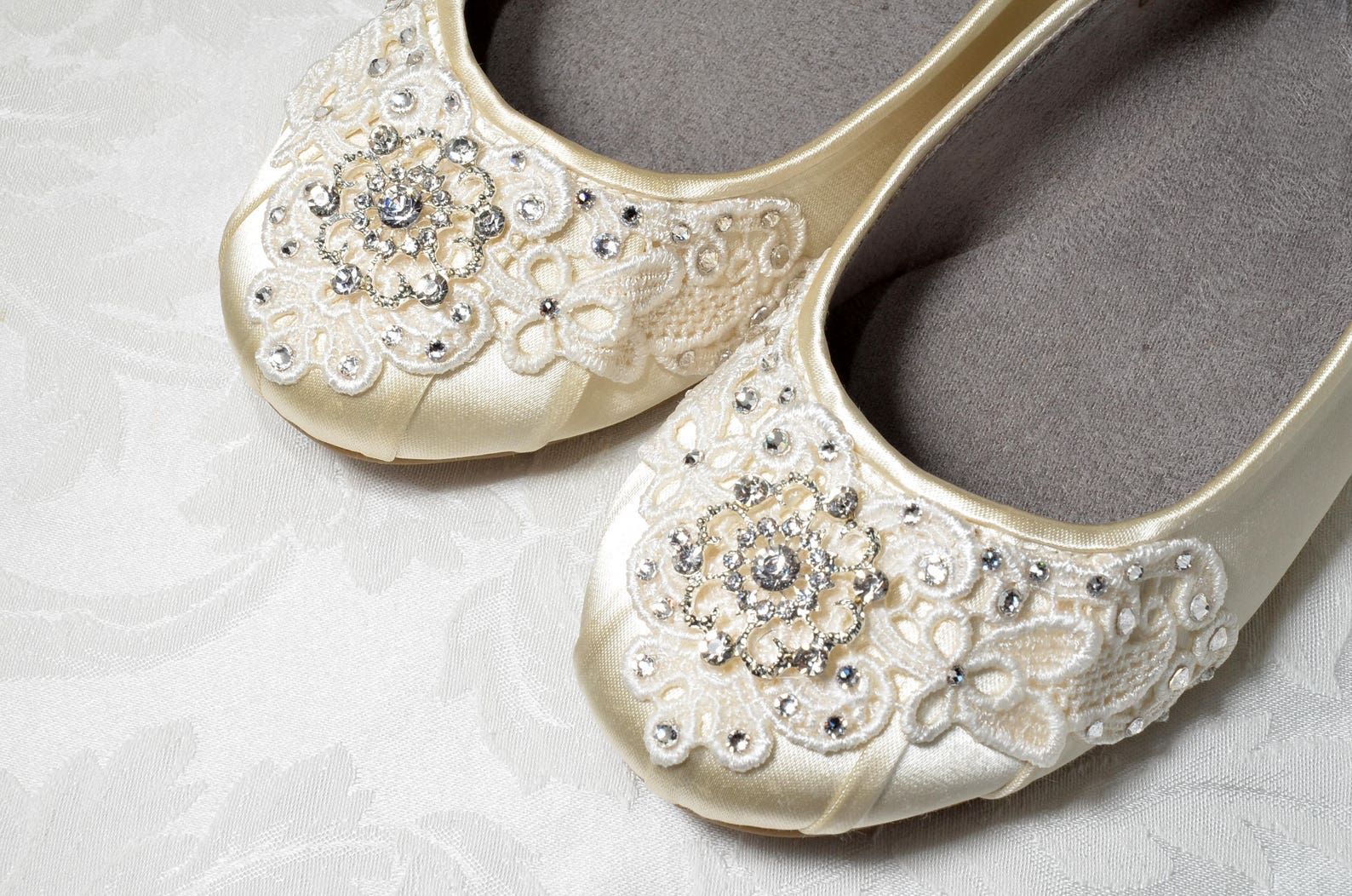 24a842c765bce Women s Wedding Shoes- Free Custom Colors- Lace Ballet Flats Bridal Shoes  Vintage Crystal Embellished Bridesmaid