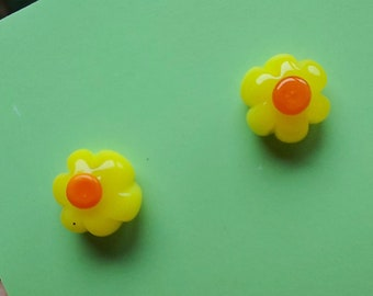 Yellow Daisy Glass Earring Studs - Surgical Steel Posts - Hypoallergenic