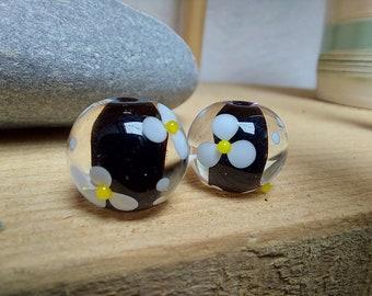 Pair of Encased Daisy Beads - lampwork glass - ukhandmade