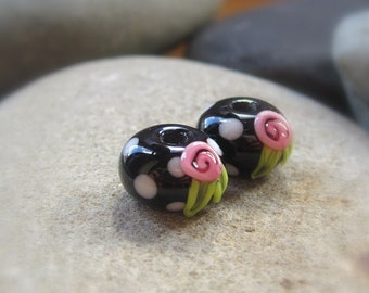 Floral earring pair of  round lampwork beads by Mad Cat Glass - FHF - SRA - y3 - GBUK