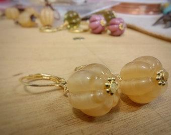 Pearl Beige Earrings - Gold Plated - ukhandmade