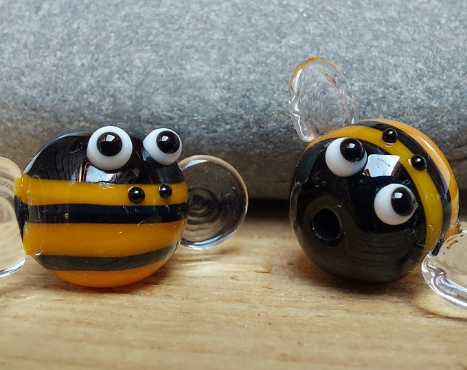 Featured listing image: Bumble Bee Lampwork Glass Bead - ukhandmade