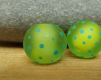 Etched green and blue polkadot beads - lampwork beads - etched glass beads