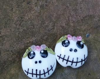 Two Skullys with flowers  Beads by Lesley Jane Nixon - SRA - OOAK - UK