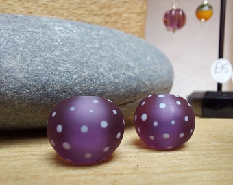 Etched purple and white polkadot beads - lampwork beads - etched glass beads