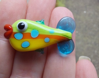 Kissy Fishy - handmade lampwork glass fish bead