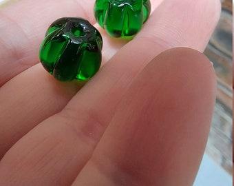 Transparent emerald green pumpkin shaped beads - lampwork glass beads - UKhandmade